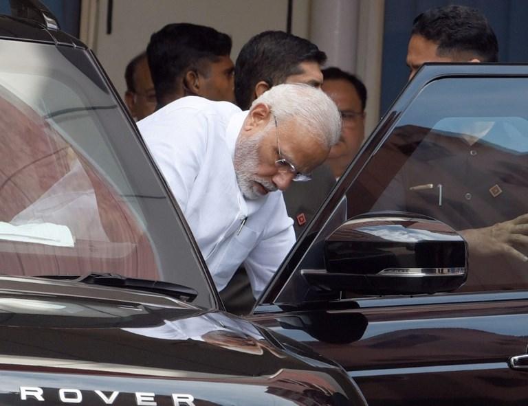 Narendra Modi - Indian PM - Atal Bihari Vajpayee - Former PM - AIIMS